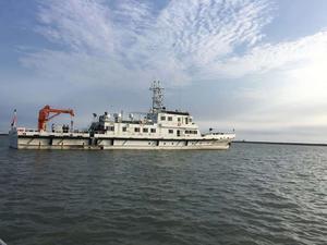 大连海县渔政局300吨渔政船